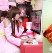 15岁萝莉成台湾宅男新女神   投身娱乐圈为游戏代言