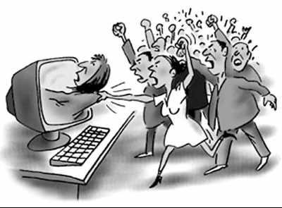 从蛇哥被锤开挂看网络暴力:实锤视频漏洞百出 水军恶意带节奏!
