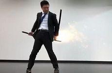 日本上班族COS《鬼泣》真人动作短片 特效十分炫酷