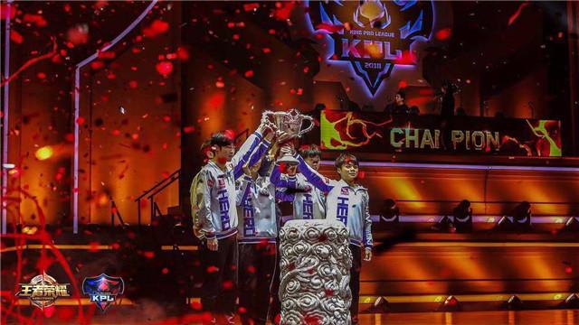 2018KPL秋季赛总决赛蓉城打响 Hero久竞卫冕成功