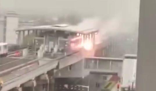 上海地铁站遭雷击的具体情况