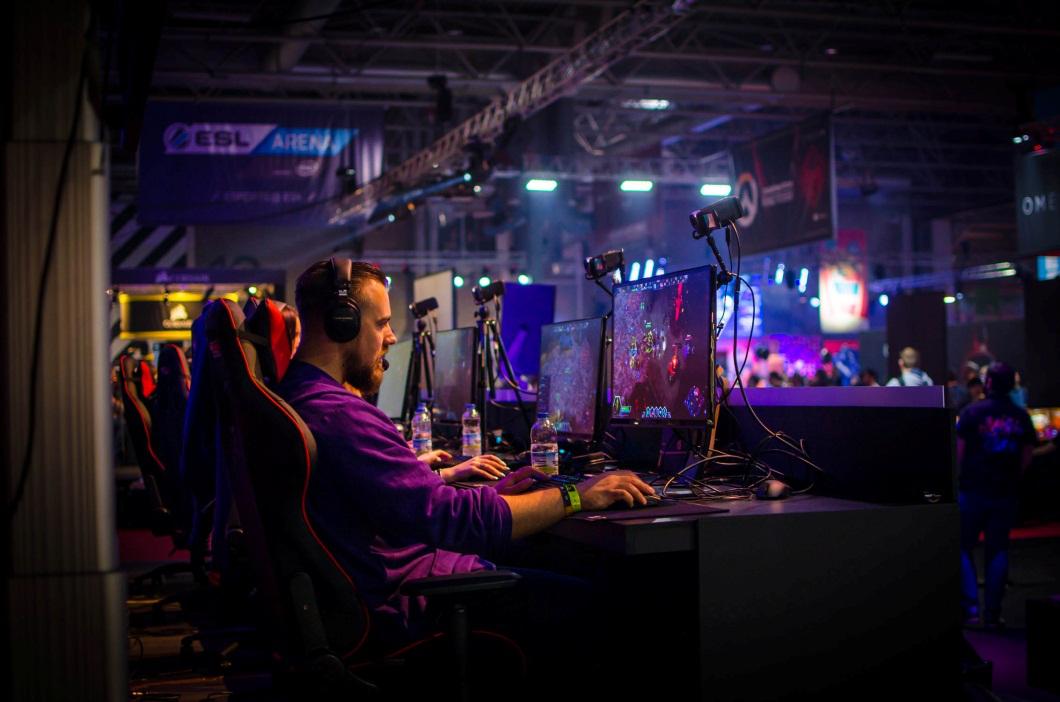 電競職業化后,游戲產業何去何從?