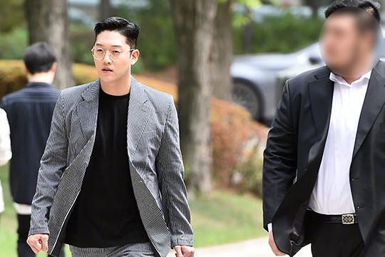具荷拉前男友出席二审:具荷拉前男友崔钟范出席第二次公审