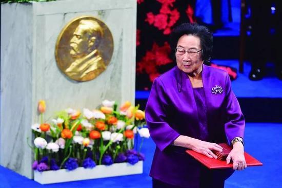 """中国科技女性榜:福布斯首次推出""""中国科技女性榜"""" ,屠呦呦何庭波杜红等入选"""