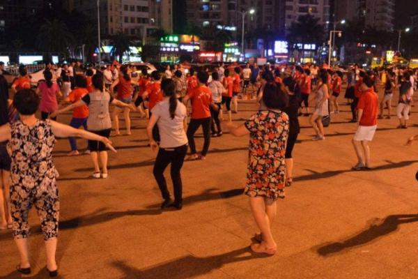 哈尔滨:晚上22时后禁放扰民广场舞音乐