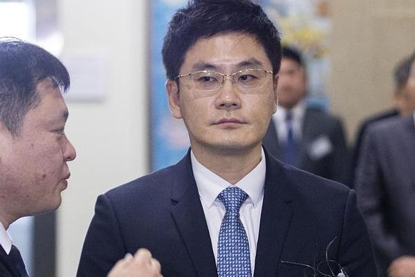 楊敏碩卸任YG代表理事:繼梁鉉錫卸任YG所有職務后,其弟弟楊敏碩也卸任了YG代表理事