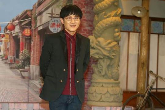 台湾歌手江明学去世:台湾资深歌手江明学出租屋自杀