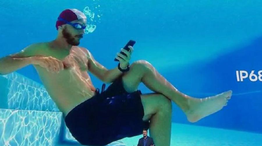 三星手机广告被诉:涉嫌吹嘘手机防水功能,三星首次被一国监管部门起诉
