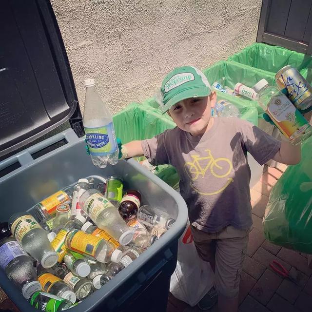 7岁男孩当上CEO:美国7岁男孩靠垃圾分类当上CEO