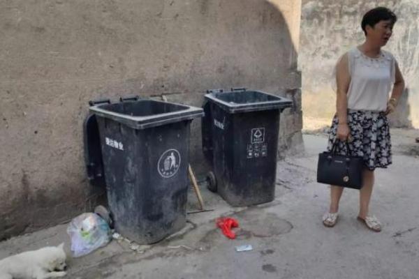 垃圾桶内发现弃婴:宁波一垃圾桶发现1名弃婴,发现时带血脐带还未剪