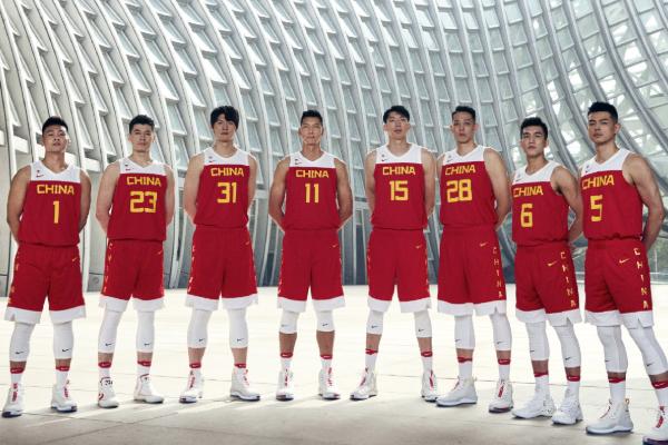 中国男篮全新战袍:中国男篮2019篮球世界杯全新战袍式亮相