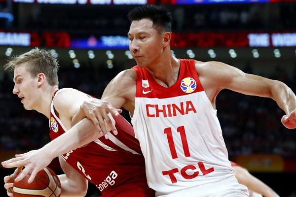 中国男篮遭逆转不敌波兰
