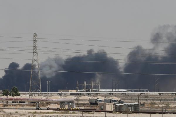 国际油价大涨:沙特石油设施遭袭致国际油价大涨,完全复产或需数月