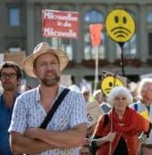 瑞士数千民众上街抵制5G:担心辐射强,耗能大