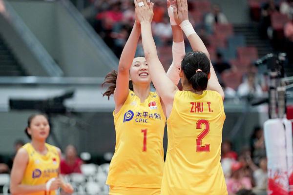 中国女排3-0战胜塞尔维亚,卫冕世界杯冠军!
