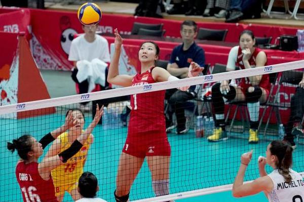 中国女排3-0完胜阿根廷,11场全胜夺取第女排世界杯冠军!