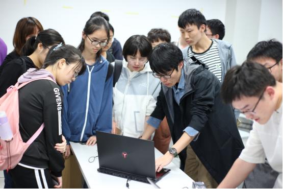 《迷你世界》走进深圳大学 孵化未来游戏制作人