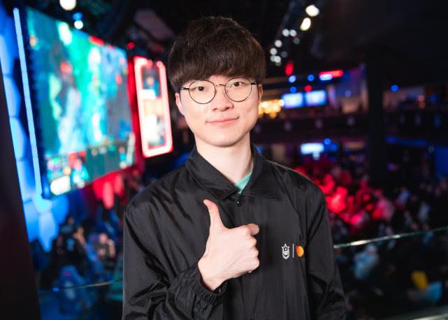优质偶像李相赫!Faker举牌呼吁群众防疫并捐出三千万韩元