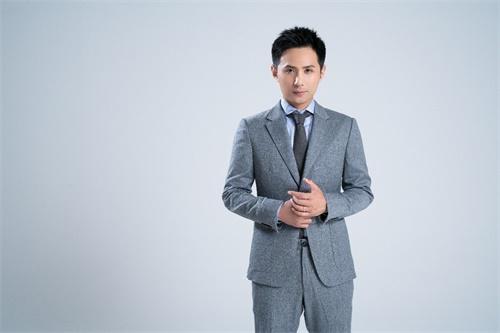 一零零一:《织梦书》配音版本上线,知名配音演员边江领衔献声