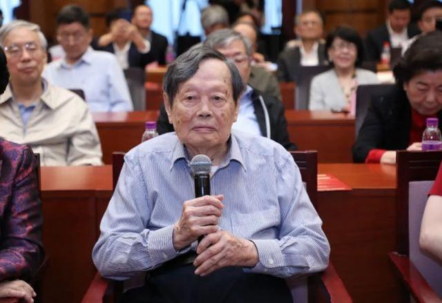 杨振宁百岁生日演讲是怎么回事