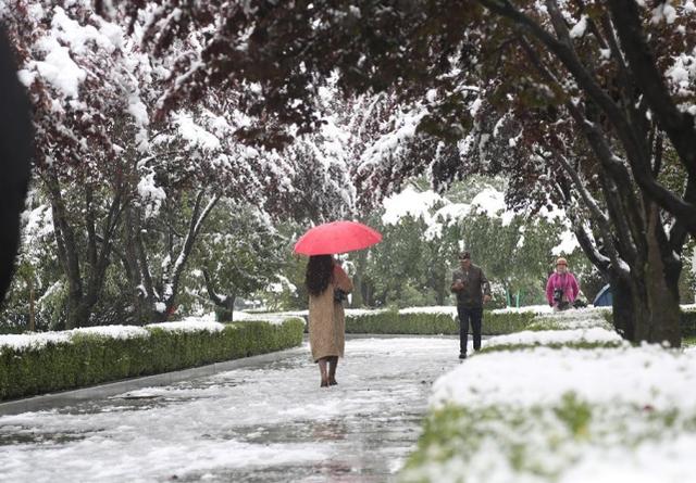 全国多地迎入秋后首场降雪是怎么回事
